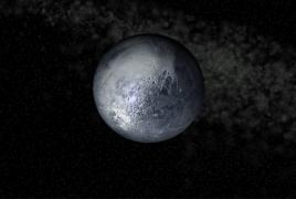 Один из полюсов Плутона может быть покрыт полярной ледяной шапкой