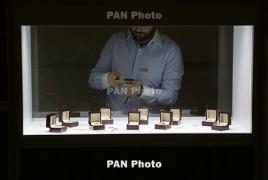 Yerevan hosts int'l jewelry fair [Photoreport]
