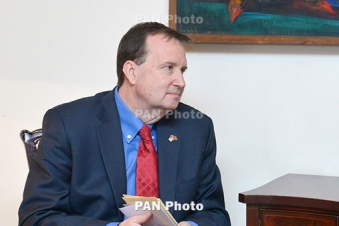 Armenia's economy becoming attractive to U.S. investors: envoy