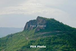 11 апреля и в ночь на 12 апреля азербайджанцы вели беспорядочный огонь  по приграничным территориям Армении