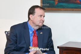 Обама «продолжает работать в направлении признания событий 1915 года», заверяет посол США в Армении