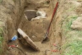 ՊԲ զինծառայողներն անտիկ դարաշրջանի դամբարանադաշտ են հայտնաբերել