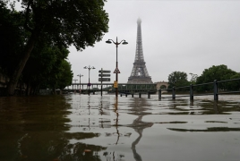 Paris museums on alert amid flood chaos