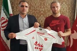 Защитник сборной Армении Вараздат Ароян перешел в иранский «Падиде»