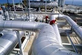 В январе-апреле 2016 года доходы Азербайджана от экспорта нефти сократились на 35%, газа - на 25,5%