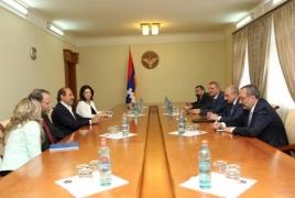 Президент НКР провел встречу с экс-послом США в РА Джоном Эвансом