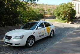 В Ереване начало работу Яндекс.Такси с минимальной оплатой - 100 драмов