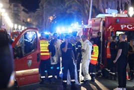 Во Франции объявили трехдневный траур по погибшим в Ницце
