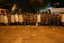 Замначальника полиции РА: В результате столкновений много раненых среди полицейских