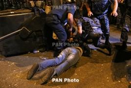 Делегация ЕС в РА призвала власти и демонстрантов воздержаться от насилия