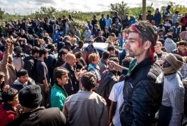 Около полторы тысячи мигрантов выселены из временных жилищ в Париже