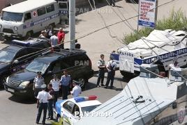 Адвокат: Еще 2 захватчикам здания ППС в Ереване предъявят обвинения