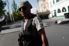 Состояние раненого члена захватившей полк ППС в Ереване вооруженной группы стабильно тяжелое