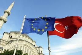 Турция дает ЕС время до октября для введения безвизового режима