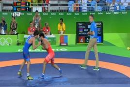 Армянский борец Арутюнян победил азербайджанца Чунаева и вышел в финал