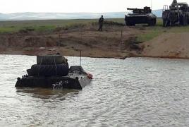 На российской военной базе в Армении для подготовки экипажей боевых машин построили вододром
