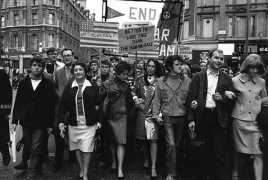 Rare photos of 60s swinging London on view at Lucy Bell Gallery