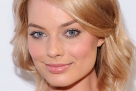 """Margot Robbie to exec produce """"Harley Quinn"""" spin-off"""