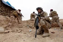 Iraqi forces, Kurdish peshmerga pause Mosul advance