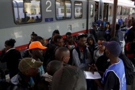 Germany says it received 280,000 new migrants in 2016