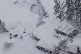 Italy rescue team pulls out more people from avalanche-hit hotel