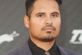 "Michael Pena to topline sci-fi thriller ""Extinction"""