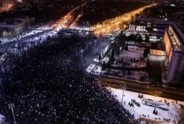 250,000 Romanians rally in massive anti-corruption protest