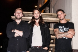 "Pink Hotel alt-Americana band unveil ""Modern Times"" single"