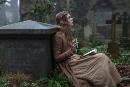 """1st look at Elle Fanning as gothic literary icon """"Mary Shelley"""""""