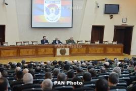Саргсян: Межпартийных обсуждений в армии не ,,,