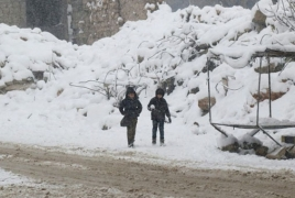 Tens of thousands flee clashes between Syria army and Islamic State