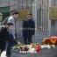 В Армении несут цветы к посольству России в связи с терактом в петербургском метро