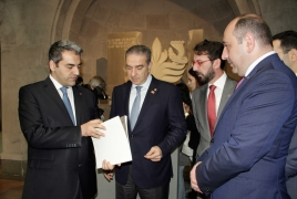 Lebanese Minister visits Genocide memorial, urges recognition