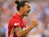 Zlatan Ibrahimovic undergoes successful knee surgery