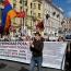 Азербайджанцы напали на армянскую колонну и устроили драку во время акции ко Дню Победы в Петербурге