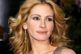 """Julia Roberts to star in """"The Bookseller"""" hit novel adaptation"""