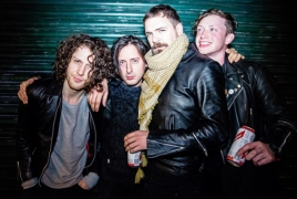 "Carl Barat & The Jackals unveil new video for ""Sister"""