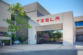 Tesla to make Autopilot 'smooth as silk' in June update