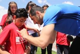 Мхитарян - «Детям Армении»: Нужно верить в свои возможности и никогда не сдаваться
