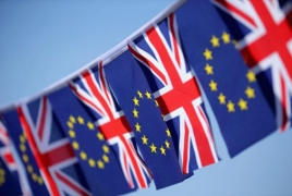 UK starts bid for Brexit deal