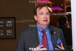 U.S. envoy talks Armenia-U.S. ties with opposition Heritage party leader