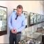 Բելգիացի սենատորը Ստեփանակերտում ծաղիկներ է դրել ազատամարտում զոհվածների հիշատակին