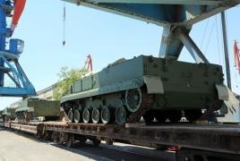 Азербайджан получил новую партию военной техники из РФ