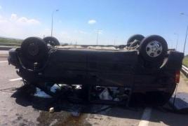 Перевернулся микроавтобус рейса Ереван-Анапа: Есть пострадавшие