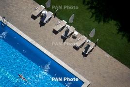 Аномальная жара не спадает в Армении: Рекомендуется избегать прямых солнечных лучей