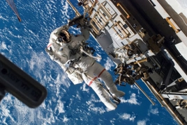 Russia says next spacewalk set for January 2018
