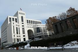 Armenia FM, OSCE envoys talk Armenian-Azeri presidential meeting