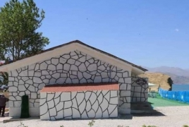 Վանի հայկական գերեզմանոցի վրա զուգարան են կառուցել