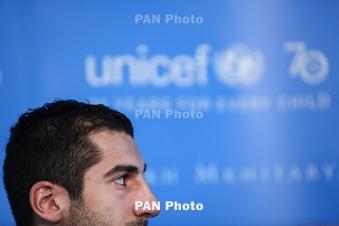 Mkhitaryan seeks to discuss Man United future with Mourinho