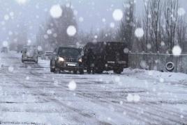 ՀՀ-ում կան դժվարանցանելի ճանապարհներ, Սպիտակում և Ապարանում ձյուն է տեղում